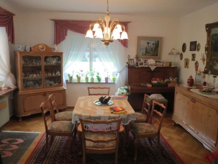 stilvolle EFH- Villa mit SAUNA im Syratal zu verkaufen