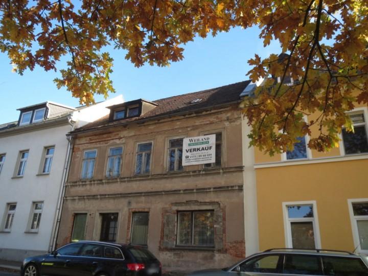 v?llig unsaniertes Reihenmittelhaus in Pausa zu verkaufen