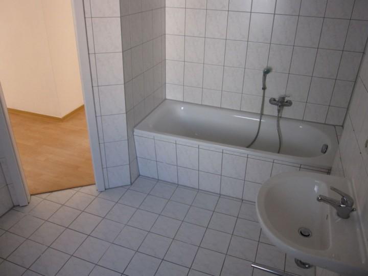 praktische 3- Zimmer WE im 2. OG in Plauen zu vermieten
