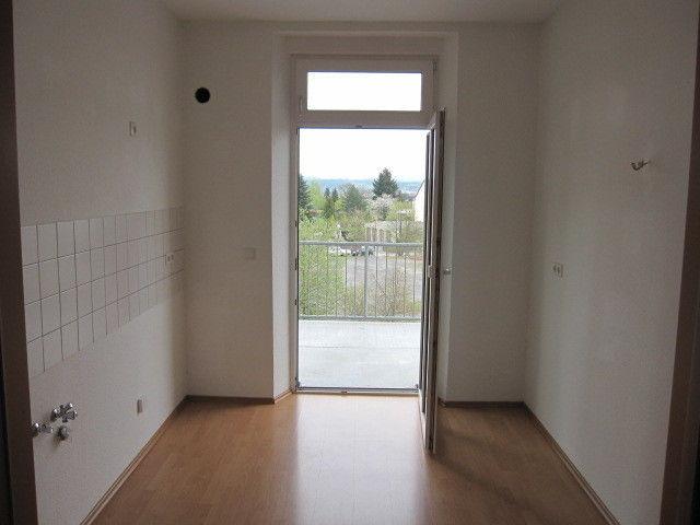 herrlich geschnittene 4- Zimmer Wohnung zu vermieten